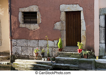 Medieval home in Annecy - Medieval home along the river in...