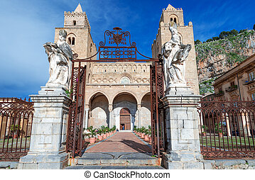 Medieval norman Cathedral in Cefalu Sicily - CEFALU, ITALY -...
