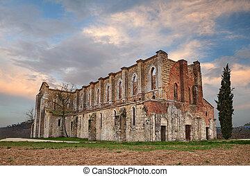 medieval, siena, iglesia de la abadía, chiusdino, ruinas, italy., vista, roofless, toscana, ocaso, galgano, santo