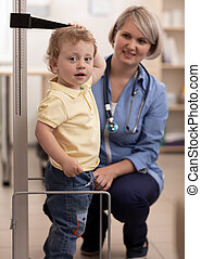 medindo, criança, doutor, altura