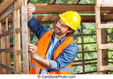 medindo, Quadro, construção, trabalhador, madeira