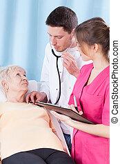medisch, vrouw, examen, hebben, bejaarden