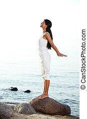meditación, en, playa de arena