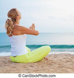 meditación, en, salida del sol, tiempo