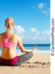meditación, mujer, practicar, joven, mañana