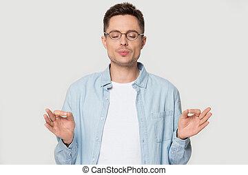 meditating, isolated, студия, человек, кавказец, glasses