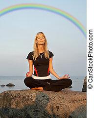 meditazione, a, il, spiaggia, sotto, arcobaleno