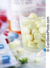 medizin- flaschen, und, pillen, aufschließen