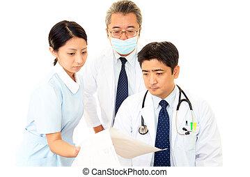medizinisches personal, arbeitende