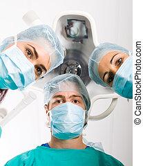 medyczny, leczy