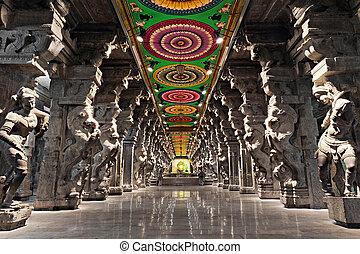 Meenakshi hindu temple - Inside of Meenakshi hindu temple in...