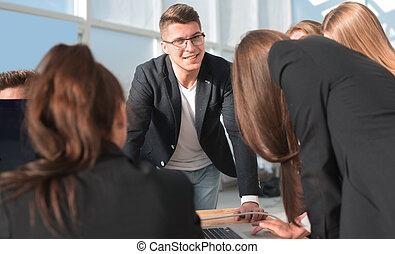 meeting., ordinateur portable, haut., équipe, utilisation, travail, fin, business