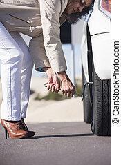 megfontolt woman, autógumi, cserél, autó, letör