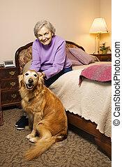 megfontolt woman, noha, dog.