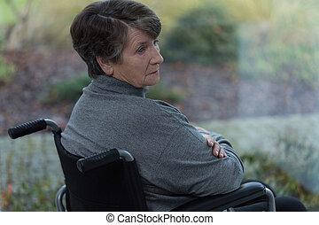 meghibásodott, senior woman, bús