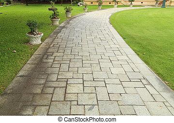 megkövez walkway