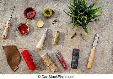 megkorbácsol, mesterkedő, eszközök, képben látható, szürke megkövez, háttér, tető kilátás