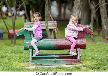 meiden, park, spelend