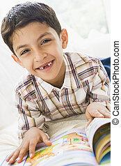 meio, menino, livro, leitura, oriental