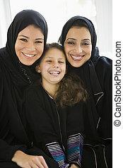 meio, mulheres, três gerações, oriental