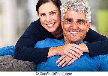 meio, par, envelhecido, amando