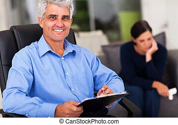 meio, psicólogo, macho, envelhecido, escritório