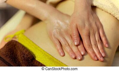 meisje, doen, relaxen, masseren, met, olie, op, de, spa