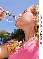 meisje, drinkwater