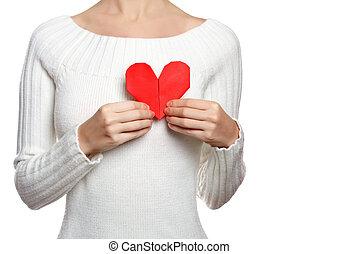 meisje, houden, origami, hart, vrijstaand, op wit, met, copy-space
