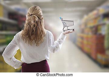 meisje, met, boodschappenwagentje, in, de, supermarkt