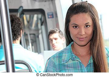 meisje, paardrijden, tram