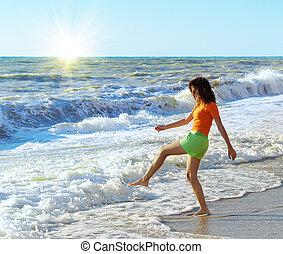 meisje, strand, toneelstuk