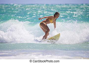 meisje, surfing, gele, hawaii, bikini