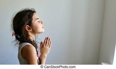 meisje, tiener, biddend, kerk, geloof, in, god, gebed