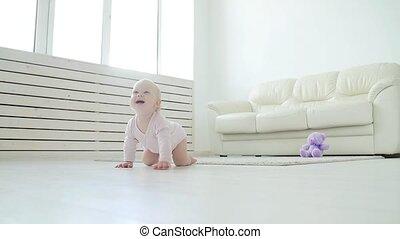 meisje, vloer, of, zittende , -, thuis, baby, gezin, ...
