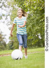 meisje, voetbal, jonge, spelend