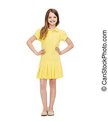 meisje, weinig; niet zo(veel), jurkje, het glimlachen, gele