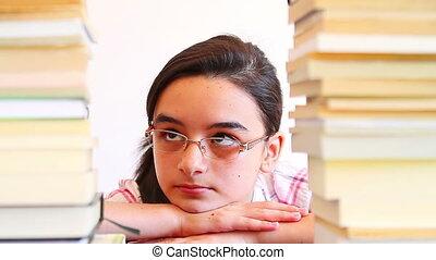 meisje, werken, overweldigde, school