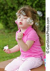 meisje, zeepbellen