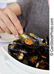 mejillones a la marinera, spanish mussels recipe - closeup ...