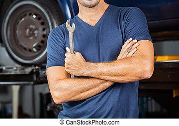 mekaniker, räcka ryck, in, reparation butiken