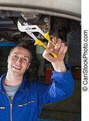mekaniker, reparation, bil, med, plattång