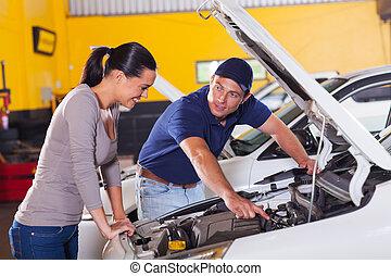 mekaniker, visande, kund, bil, problem
