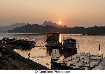 Mekong Sunset 4