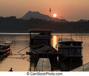 Mekong Sunset 5