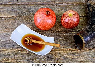 melagrana, mela, e, miele, tradizionale, cibo, di, ebreo, anno nuovo, celebrazione, rosh, hashana., sopra, tavola legno, selettivo, fuoco.