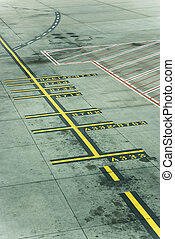 Melbourne Airport runway - Lines on runway concrete at...