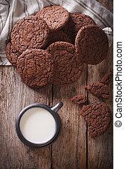 melk, koekjes, verticaal, chocolade, close-up., aanzicht, (werk)blad, gember