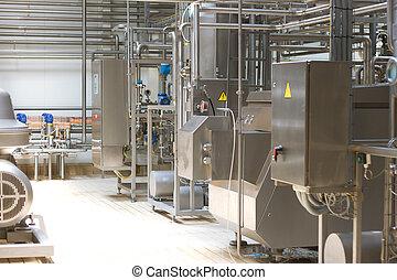 melkinrichting, plant., conveyor, met, melk, bottles.