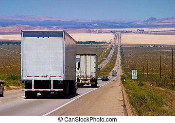 mellemstatlige, udlevering lastbil, på, en, highway.